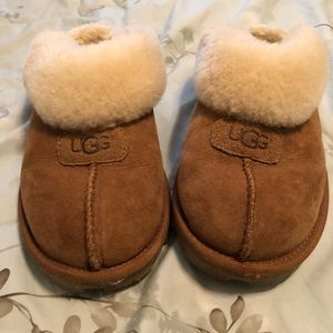 UGG Slippers size 9